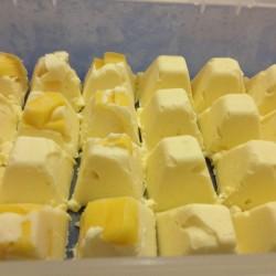 phooi-mango cheese cube