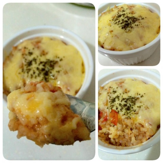 Baked cheesy tomato with salmon rice