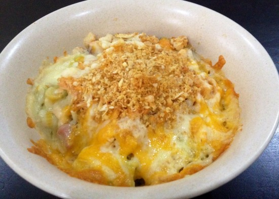 Mac and Cheese with salmon & breadcrumbs