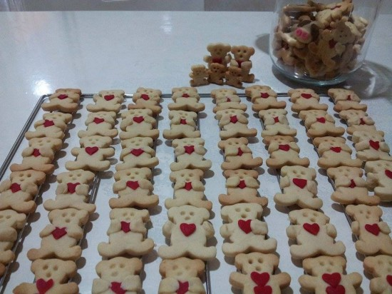 Butter cookies ( bear hug with love )